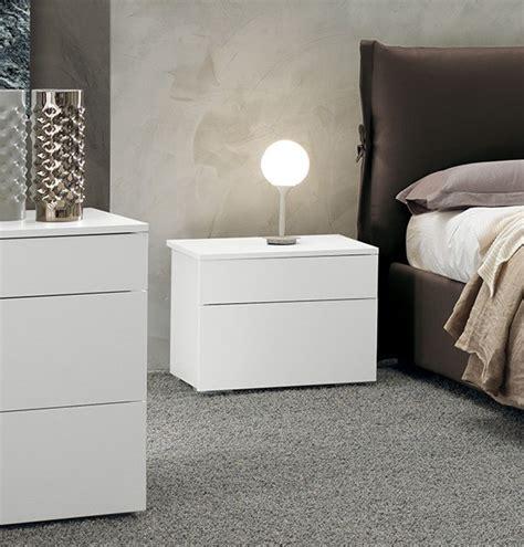 Comodini Design Moderno by Comodino Moderno E Di Design Laccato Bianco Opaco