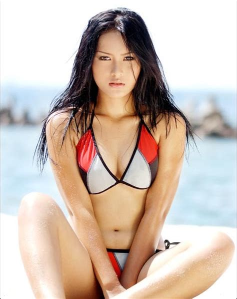 Marlin Taroreh Exotic Bikini Photoshoot Cewek Cantik