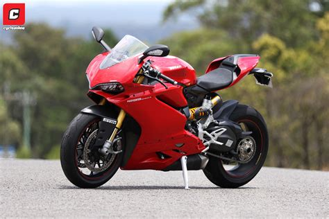 Review Ducati Panigale by Review 2015 Ducati 1299 Panigale S Cycleonline Au
