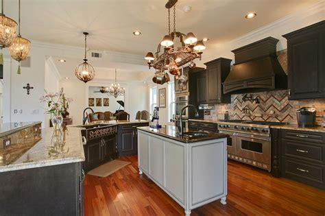gourmet kitchen traditional kitchen  orleans  vision investment group nola