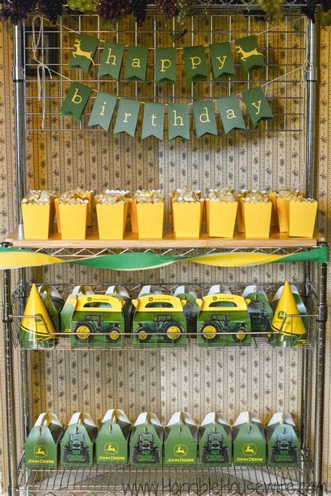 deere birthday ideas for a 3 year - Deere Decorations