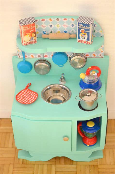 cuisine pour bébé diy une cuisine enfant en bois à fabriquer à partir de