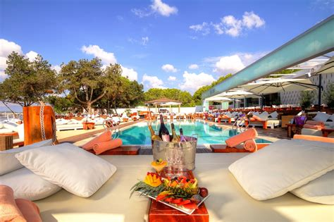 Miami Boat Show Vip Lounge by The 5 Clubs Of Ibiza Where You Will Want To Live