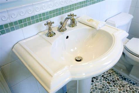 porcelain bathroom sinks pros and cons the pros cons and basics of pedestal sinks