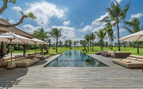 Luxury Beachfront Condo Development In Pattaya : Luxury Vacation Villas Rentals In