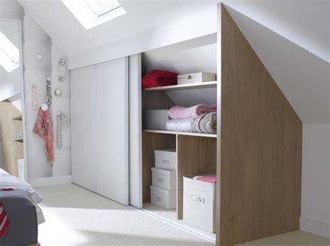 penderie sous comble 15 id 233 es de dressing pour un petit appartement page 2