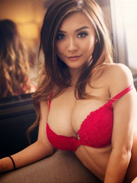 Magazines - The Charmer Pages : Vicki Li - Amped Asia ...