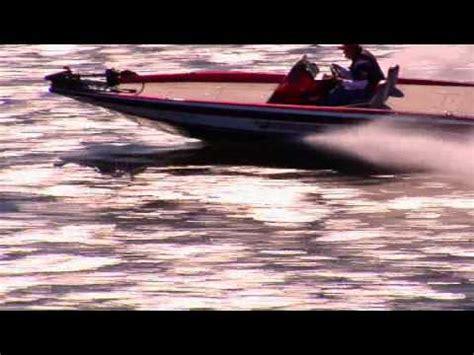 Phoenix Boats Youtube by Phoenix Bass Boats Running Shot Youtube
