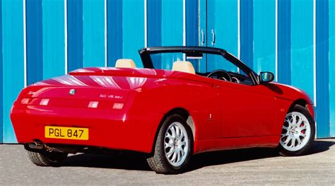 alfa romeo spider convertible review   parkers