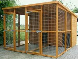 Best 25 outdoor dog kennels ideas on pinterest outdoor for Wooden dog pens for outside