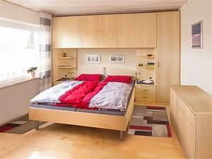 Schrank Mit Integriertem Bett : schlafzimmer mit bett berbau urbana m bel ~ Markanthonyermac.com Haus und Dekorationen