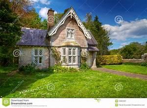 Haus Kaufen In Irland : fairy tale cottage house stock image image of fairy ~ Lizthompson.info Haus und Dekorationen