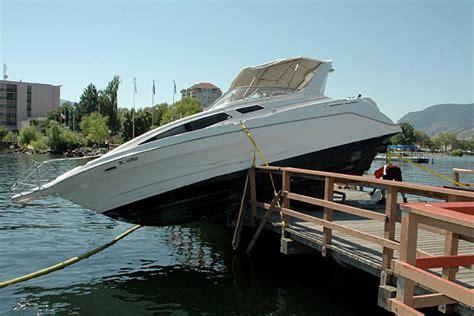 Potomac River Boat Crash by B C Boat Crash Sends Tourists Scrambling On Penticton Pier