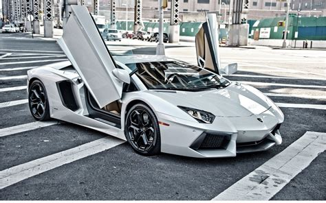 No Slide Name Set  Lamborghini Aventador Insanity In The