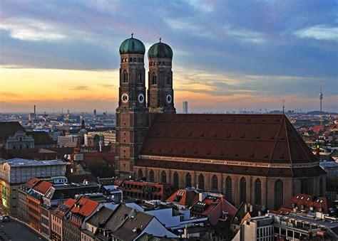 frauenkirche muenchen filmkulisse bayern