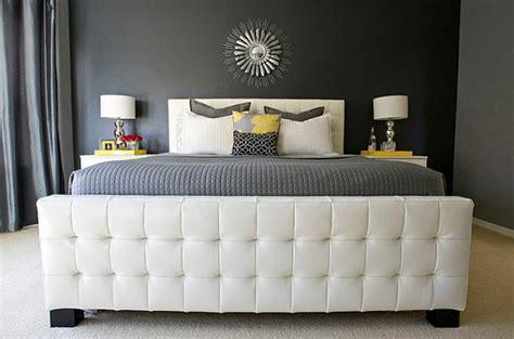 chambre jaune et gris le sommier du lit pour chambre à coucher archzine fr