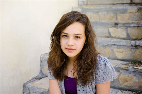 Mary Mouser Pictures