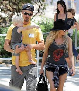Fergie in Fergie and Josh Duhamel Take Axl to the Park ...