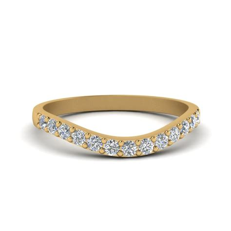 curved diamond wedding ring  women   yellow gold