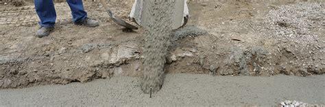 gartenmauer ohne fundament fundament f 252 r die gartenmauer streifenfundament selber machen anleitung diybook at