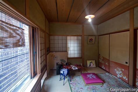 la maison de kyoto kawatatsunaka okiya la maison de geisha un gaijin au japon