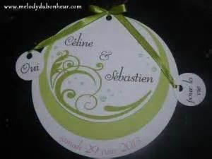 faire part rond mariage faire part rond vert et blanc avec breloques par melodydubonheur