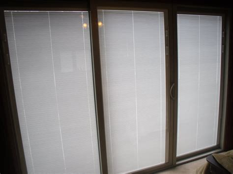 Sliding Door With Blinds by Sliding Glass Doors With Blinds Decofurnish