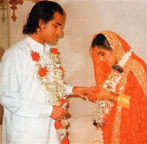 Thanksgiving Wallpapers: Saif Ali Khan & Amrita Singh ...