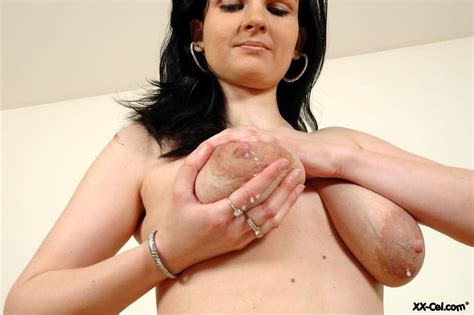 lactating beauty flashing her assets for xx pichunter