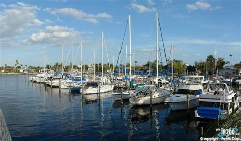 Boat Marina Cape Coral by Yacht Club Cape Coral Boating And Homes