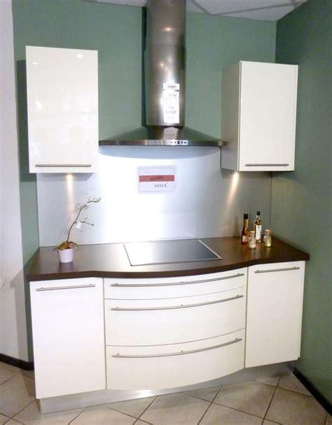 cuisine magnolia schmidt modele plan de travail cuisine 18 peinture pour plan de