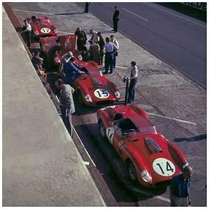 Via Automobile Le Mans : le mans 1960 ferrari 250 tr squad taking a deserved nap before the battle via jacqalan ~ Medecine-chirurgie-esthetiques.com Avis de Voitures
