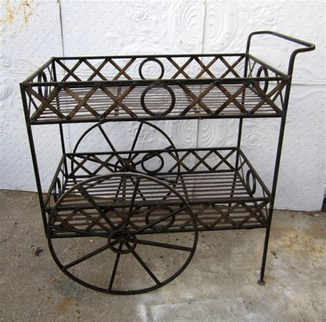 wrought iron in the garden synylm
