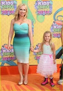 Leigh-Allyn Baker and Mia Talerico - Kids' Choice Awards ...