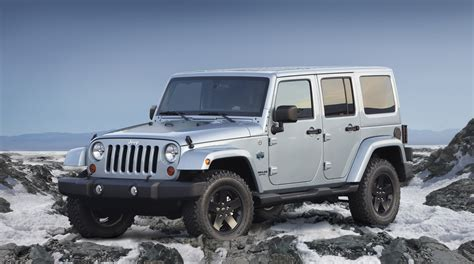 jeep wrangler beach edition jeep previews wrangler and liberty arctic special editions