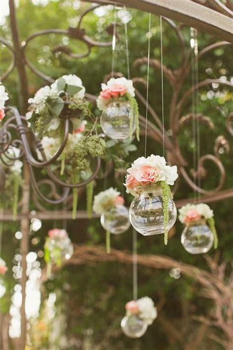 composition florale suspendue idee deco mariage mariage