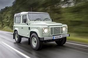 Nouveau Land Rover Defender : le nouveau land rover defender n est plus tr s loin selon le directeur du design motor ~ Medecine-chirurgie-esthetiques.com Avis de Voitures
