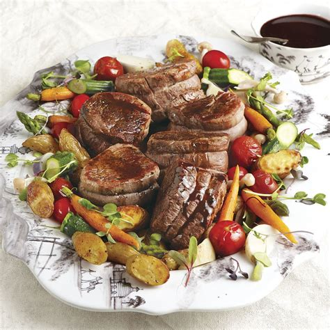 Prepare as directed but in step 1 use 2 tablespoons crushed black peppercorns. Seared Filet Mignon with Red-Wine Mushroom Sauce   Recipe ...