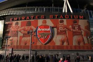 Mural  Emirates Stadium  U00a9 Julian Osley Cc 2 0