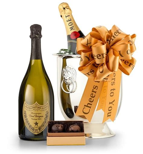 serve champagne   sommelier