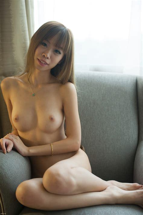 Singapore Model Vanessa Thlivingdoll Naked Photos Leaked
