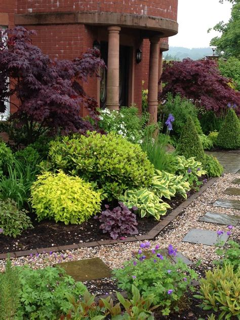 shrub garden design plans mixed plants shrubs border lookit that johnson s blue hardy geranium they ll be yanking that