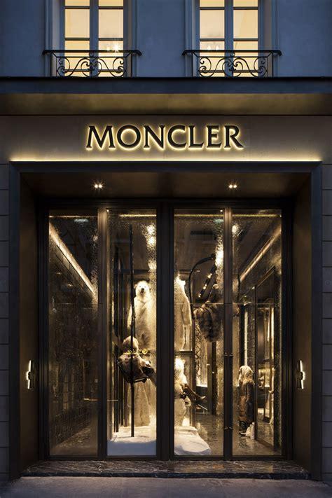 interieur winkel parijs moncler flagship store in paris opened its doors yesterday