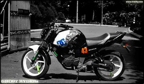 Gambar Modifikasi Motor Byson by Gambar Modifikasi Motor Yamaha Byson Unik Kejutan