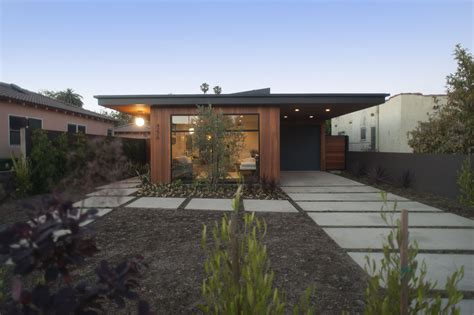 A Step Up In Amazing Architecture La by Mid Century Modern Homes Los Angeles Home Staging House