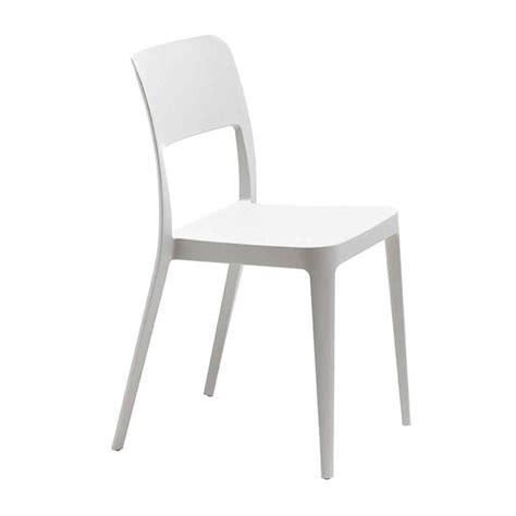 chaise en polypropylène chaise moderne en polypropylène nené midj 4 pieds