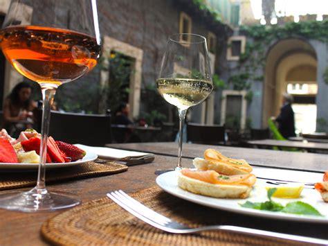 cortile capuana la top 5 degli aperitivi di catania