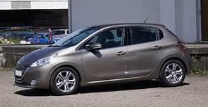 Consommation Peugeot 208 : dtails des moteurs peugeot 208 2012 consommation et avis 1 2 puretech 82 ch 1 4 hdi 68 ch ~ Maxctalentgroup.com Avis de Voitures