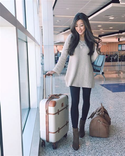 Airport travel OOTD + the best holiday weekend sales - Extra Petite