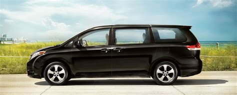 dodge grand caravan  toyota sienna comparison review